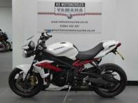 63 REG TRIUMPH STREET TRIPLE R ABS IN STUNNING WHITE RIZOMA EVERYTHING ARROW CAN