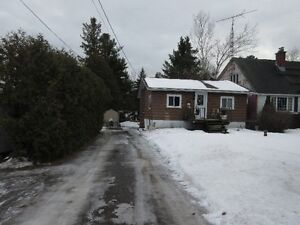 Team Krishan presenst Country Bungalow; 709 Kingston Mills Rd