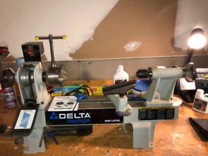 Delta Midi Lathe with Talon Chuck and accessories
