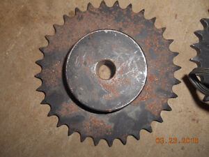 few diff metal gears and roller chain Kitchener / Waterloo Kitchener Area image 2