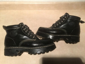 Men's Roots Tuff Winter Boots Size 8.5