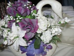 9 Inch Swan Planter  for sale
