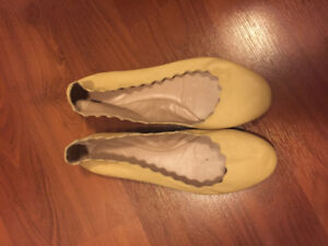 Authentic Chloe scallop flats