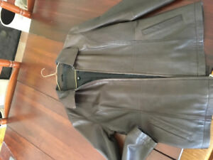 Women's brown leather jacket size large