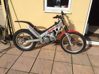Montesa 315r trials bike Sherco beta