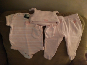 Montreal Canadiens pink baby set 0-3 months.