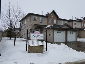 3 Bedroom House for Rent in Morinville with Attached Garage