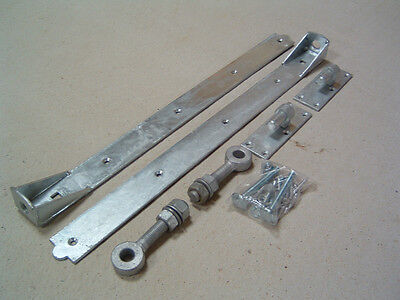 2 pairs of 24 inch adjustable hook and band gate and door hinges stable doors