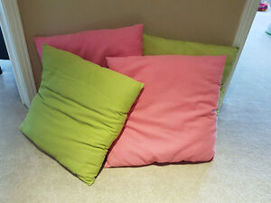 Accent pillow set