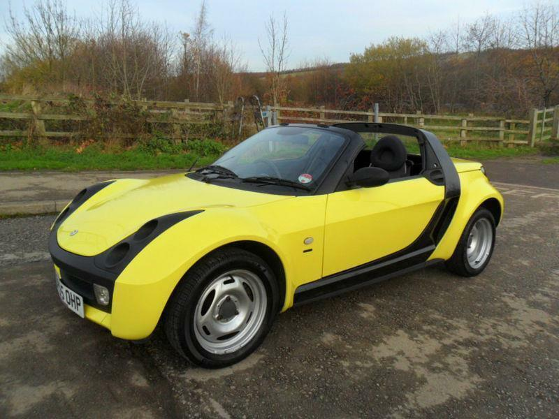 very rare mercedes smart roadster convertible hard top 2005 yellow bargain in manchester. Black Bedroom Furniture Sets. Home Design Ideas
