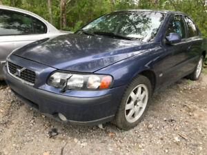 2003 Volvo S60 ** FOR PARTS ** INSIDE & OUTSIDE **