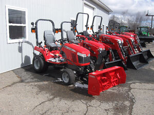 """Massey Ferguson 25hp Tractor with Front 50"""" Snow Blower"""