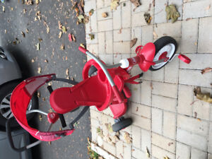 Radio Flyer Trike with stand and cover
