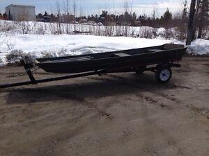 1436 crestliner Jon boat 600$