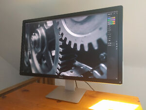 "BNIB 32"" 4K Dell UltraSharp LED IPS Monitor UP3214Q"