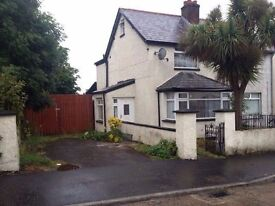 3-4 Bedroom house fully furnished Double Garage and large drive way 25 Coombhill Park BT14 6PH