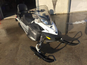 New 2018 Skidoo Expedition Sport 550F