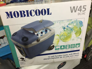 Mobicool W45 Portable Cooler