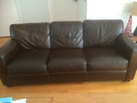 Leather couch/Divan Cuir