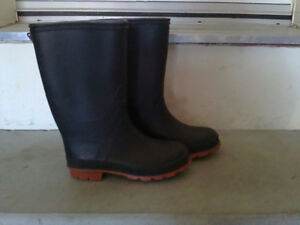 Women's black rubber boots rainboots Size 5 London Ontario image 2
