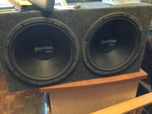 Subwoofer Boston 1000W 4ohms  ampli Pioneer 760W Capacitor 300$