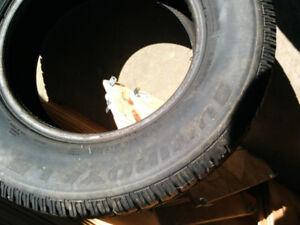 1 pneus d'hiver de 15 pouces
