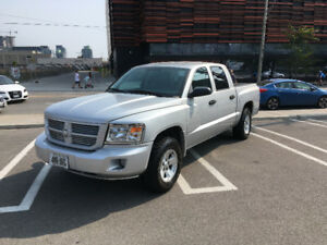 2010 Dodge Dakota SXT 4x4 Pickup Truck Crew Cab