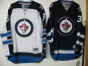 NHL OFFICIAL HOCKEY JERSEY NWTWINNIPEG JETS MONTREAL CANADIENS