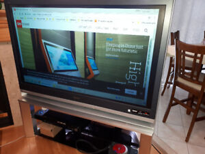 SONY LCD PROJECTION TV 55 inches