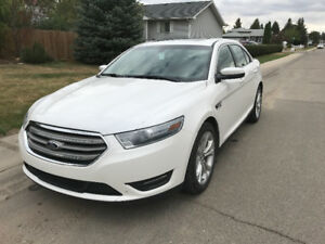 2013 Ford Taurus-Leather, Nav, New Tires