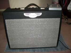 * NEW PRICE* Gently used Traynor YCV40, retails at over $700.