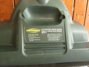 Yardworks Electric Snow Shovel-like new
