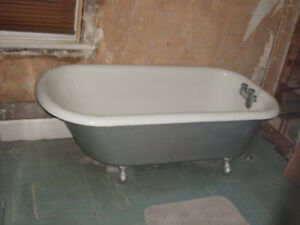 claw foot style soaker tub