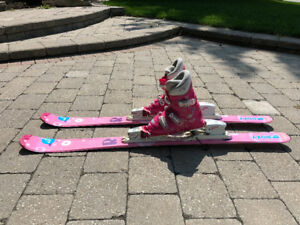 Used girls Roxy ski package.