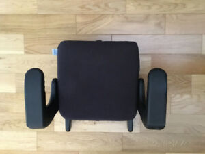 CLEK Backless Booster Seat