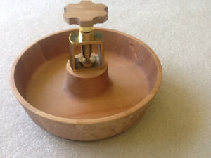 Wood nutcracker bowl