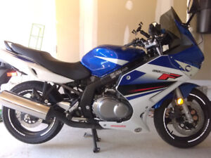 Mint with low kms, looking to trade up to bigger sport touring