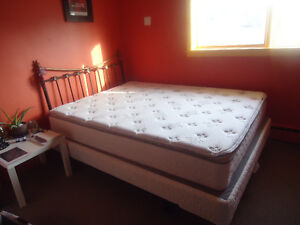MOVING SALE : QUEEN SIZE MATTRESS , BOX + FRAME