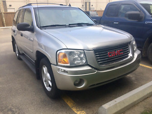 2008 GMC ENVOY  4X4 Low Kms + Remote Starter!!