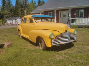 1946 Pontiac 4 door (needs lots of work!)