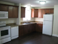 DARTMOUTH, WOODSIDE, 3 BEDROOM FLAT NO STAIRS