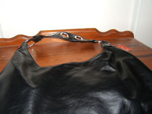 BLACK PLEATHER HANDBAG   NEW Kingston Kingston Area image 2
