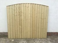 🔨🌟New High Quality Arch Top Tanalised Vertical Board Fence Panels