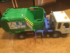 Tonka Recycling  Garbage Truck with working sound effects