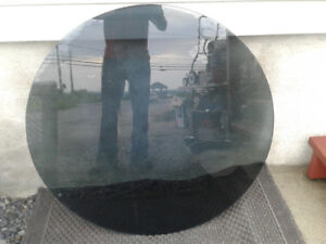Table basse en vitre teintée