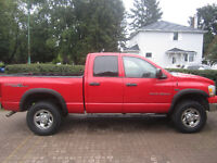 2006 Dodge Power Ram 2500 SLT TRX-4 Pickup Truck low km's
