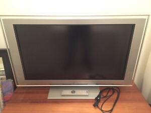 Sony Bravia KDL-40XBR2 LCD TV for sale