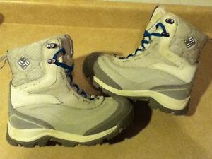 Women's Columbia Waterproof Tech Lite Winter Boots Size 7