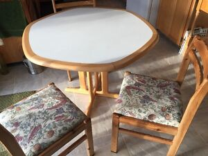 beech dinning table and chairs