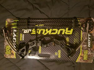 Hoyt Compound  Ruckus Jr. Brand new.